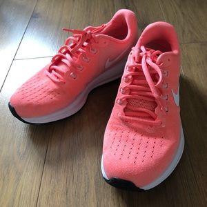 Neon Pink Nike Zoom
